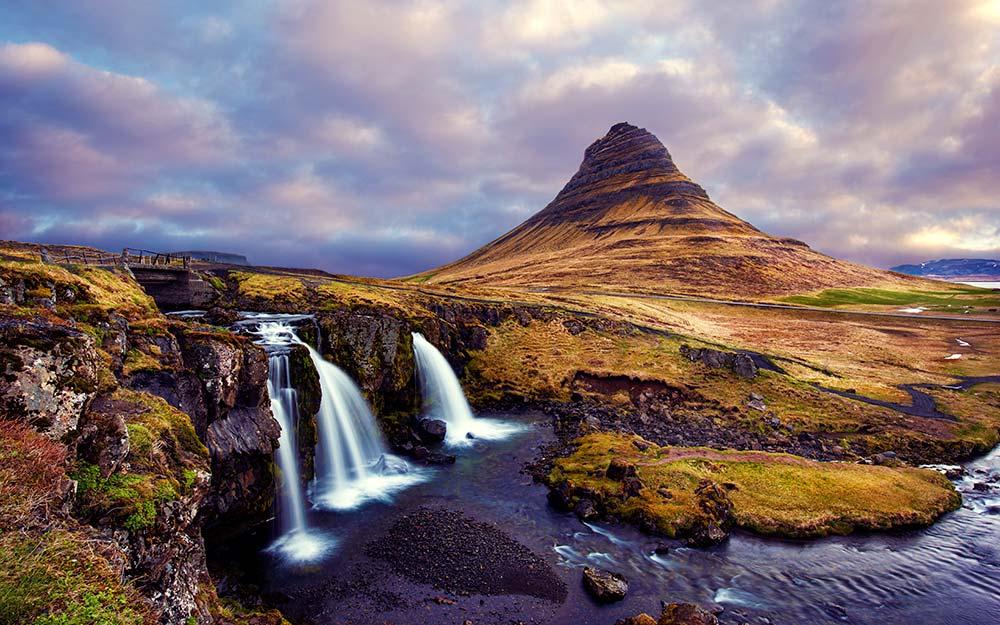 mount-kirkjufell-waterfall